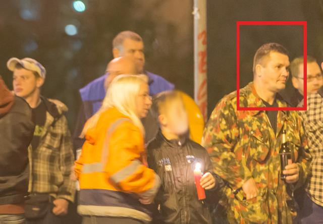 2014.10.13_Hitlergruß_typ2_Lichterkette Buch_web2