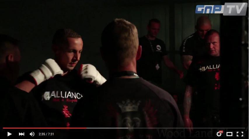 Martin Muckwar bei einem MMA-Kampf in Berlin (02. Mai 2015)
